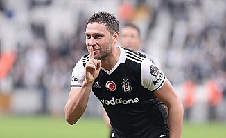 Beşiktaş, Çin'e transfer olan Dusko Tosic'e veda etti