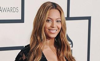 Dünyaca ünlü şarkıcı Beyonce, kilise aldı