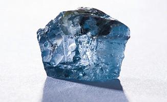 Mavi Elmas 6,7 Milyon Dolara Satıldı