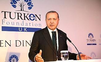Erdoğan: Mülteci meselesi insan hakları dersi vermek isteyen ülkelerin makyajını akıttı!