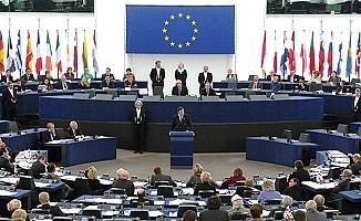 Avrupa Parlametosu'ndan internete sınırlama girişimi