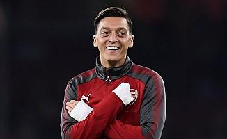 Arsenal'de 10 numara Mesut'un