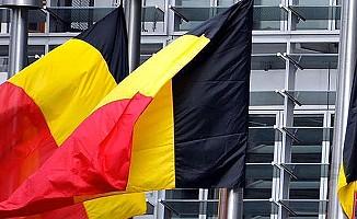 Belçika, cinsel ilişkide rıza yaşını 14'e indirdi