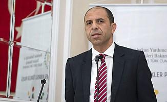 """Özersay, Londra'da """"Yurt Dışı Kıbrıslı Türkler Projesi""""ni Tanıttı"""