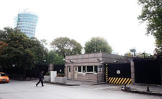 ABD Büyükelçiliği'ne saldıran iki kişi yakalandı