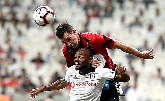 Beşiktaş, LASK Linz  karşısında 1-0'la yetindi