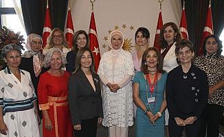 Emine Erdoğan'dan kadın büyükelçilere ve büyükelçi eşlerine öğle yemeği