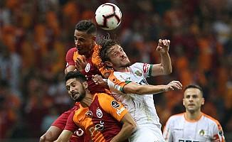 Galatasaray, Aytemiz Alanyaspor'a Nefes Aldırmadı
