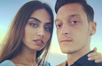 Mesut Özil'in sevgilisi, İngiltere'nin en güzel üçüncü yengesi seçildi