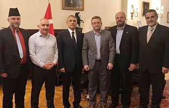 İHH – UK Vakfı Yönetimi Büyükelçi Yalçın'ı Ziyaret Etti