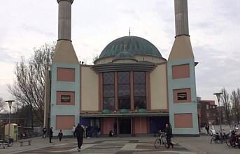 Hollanda'da Müslüman siyasetçiler camilerin korunmasını istedi
