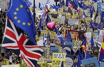 Brexit'in iptali dilekçesinde imza sayısı 5 milyonu geçti