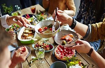 Yemek saatleri kilomuzu nasıl etkiliyor?