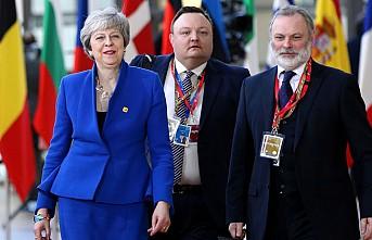 Theresa May, AB liderlerini ikna etmeye çalışıyor