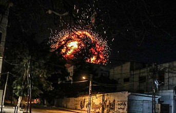 İsrail ordusu AA ofisinin de bulunduğu binayı vurdu