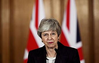 Theresa May liderliği resmen bıraktı