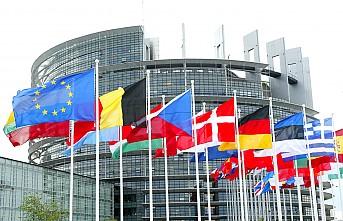 Maaşsız kalan vekiller Avrupa Parlamentosunu mahkemeye verecek!
