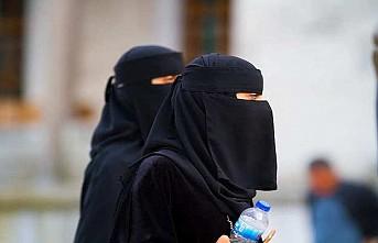 Hollanda'da burka yasağı yürürlükte