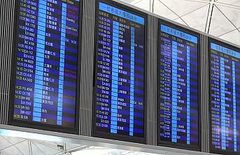 Hong Kong'da grev sebebiyle 200'den fazla uçuş iptal edildi