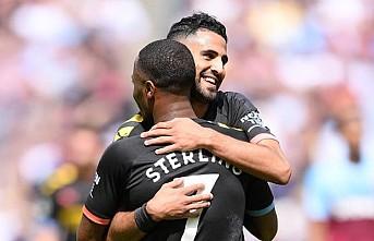 Manchester City farklı galibiyetle başladı