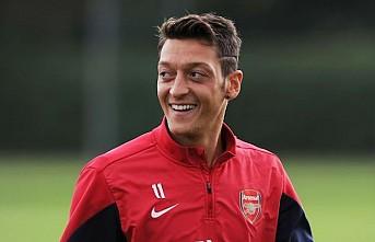 Arsenal, Mesut Özil'i gönderiyor!