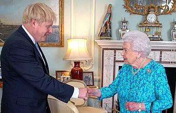 Başbakan Johnson,  Kraliçe'ye Yalan mı Söyledi?