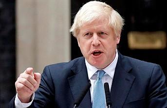 Boris Johnson 21 milletvekilini ihraç etti