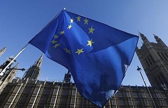 İngiltere'de vekiller anlaşmasız ayrılığı durdurmak için yasa tasarısı planlıyor