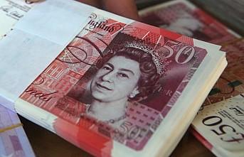 Sterlin, Dolar karşısında 3 yılın en düşüğüne indi