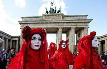 Berlin'i çevreci aktivistler 'işgal' etti