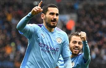 Manchester City evinde farklı kazandı