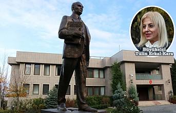 Üsküp Büyükelçiliği'ne Atatürk Heykeli