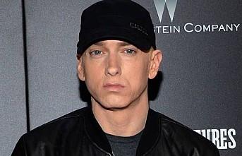 Eminem, bombalı saldırıya atıf yapan albümünü savundu
