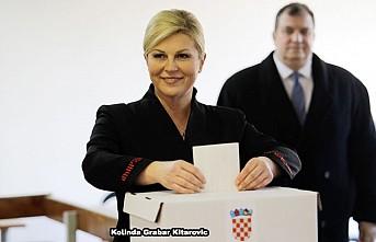 Hırvatistan, cumhurbaşkanlığı seçimi için ikinci tur oy veriyor