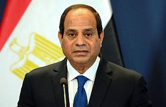 İngiltere'ye Sisi kınaması