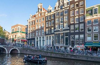 Amsterdam'da art arda iki patlama