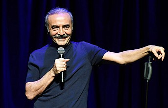 Yılmaz Erdoğan 'Münaşaka' ile yeniden sahnede