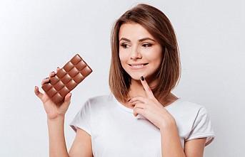 Adet döneminde hangi çikolata?