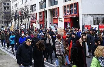 Almanya'da binlerce kişi sığınmacılar için yürüdü