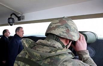 İngiltere Savunma Bakanı Vallace, Akar'la Suriye Sınırında