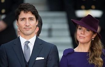 Kanada Başbakanı Trudeau karantinada basın toplantısı düzenledi