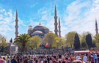 Koronavirüs görülmeyen Türkiye, turistlerin gözdesi oldu