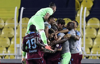 Fenerbahçe'yi 3-1 Yenen Trabzonspor Finalde