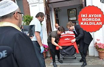 Londra'da Mahsur Kalan Cenazeler KKTC Yolunda