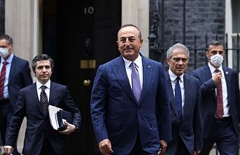Bakan Çavuşoğlu, İngiltere Başbakanı Johnson'la Görüştü