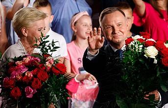 Polonya'da Cumhurbaşkanlığı Seçimini, Duda Kazandı