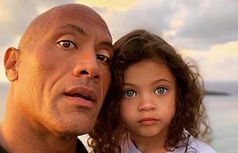 Dwayne Johnson ve ailesi koronavirüse yakalandı