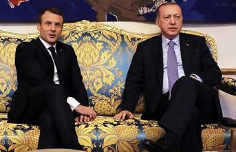 Erdoğan, Macron İle Telefonda Görüştü