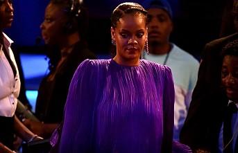 Rihanna, Müslümanlardan özür diledi
