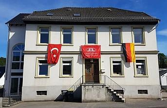 Almanya'da Türk Camilerine Saldırı